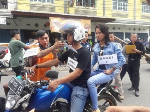 Rekontruksi Adegan Ulang Pembunuhan Selingkuhan Istri Di Baturaja Diwarnai Adu Mulut