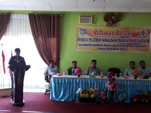 Camat Warkuk Ranau Selatan Fathan Rasyid,S.Pd., secara resmi membuka acara pelatihan sosialisasi produk-produk hukum, yang dilaksanakan di wisma PT.Pusri Danau Ranau. Pada hari Jum'at (02/8/19).