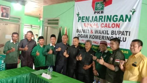 Drs.Johan Anuar, Telah Mendaftar di 7 Partai
